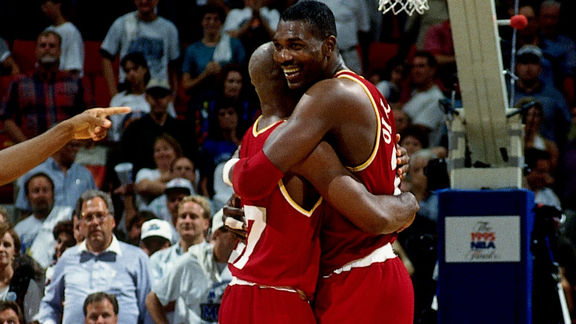 Top NBA Finals moments: Kenny Smith, Hakeem Olajuwon save day in 1995