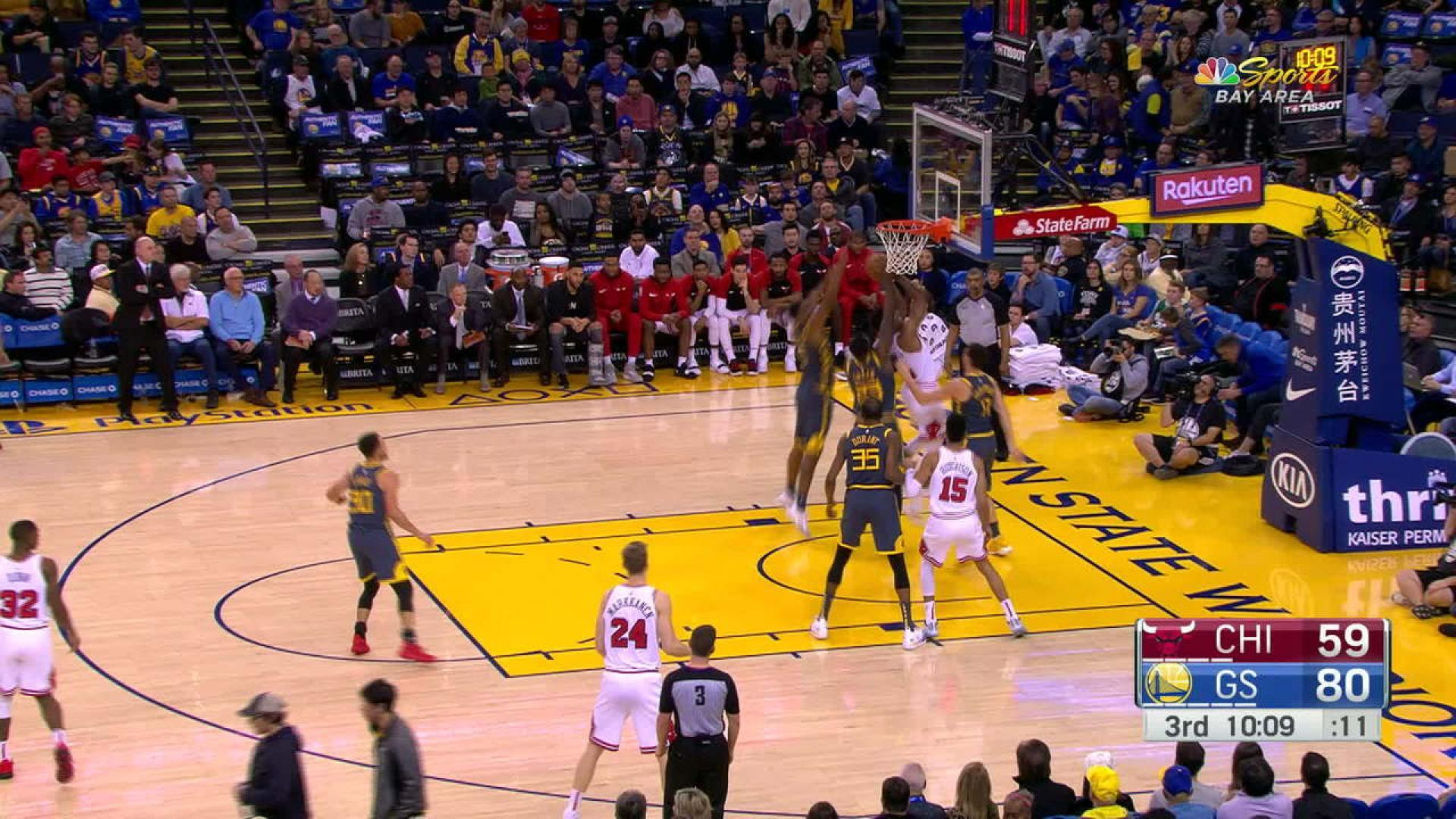 Curry passes Terry for No. 3 in career 3-pointers