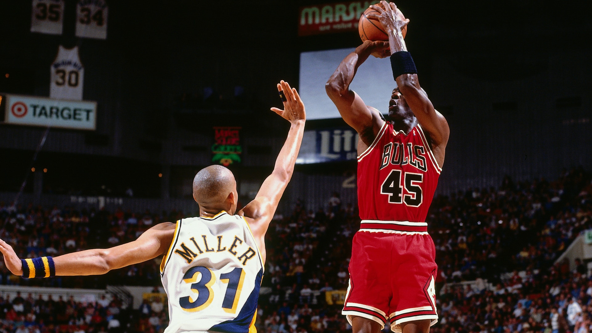 Legendary Moments: Michael Jordan returns to NBA in 1995 after 17-month retirement