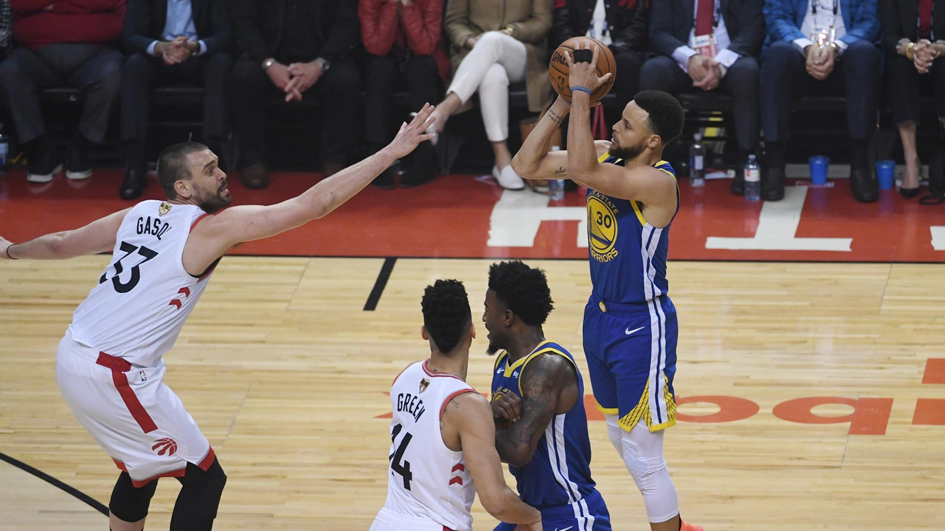 Steph Curry first player to hit 100 3-pointers in NBA Finals