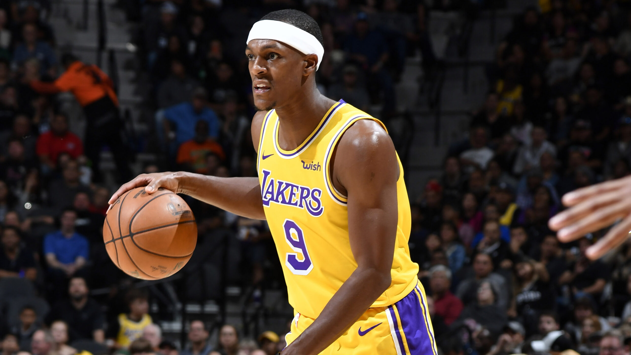 Rajon Rondo signs with Hawks
