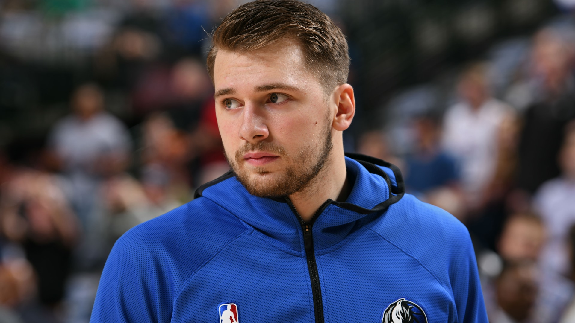 Mavericks star Luka Doncic sprains right ankle in practice
