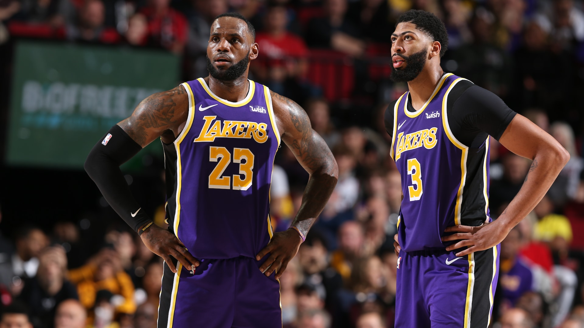 LeBron James, Anthony Davis out Saturday vs. Thunder