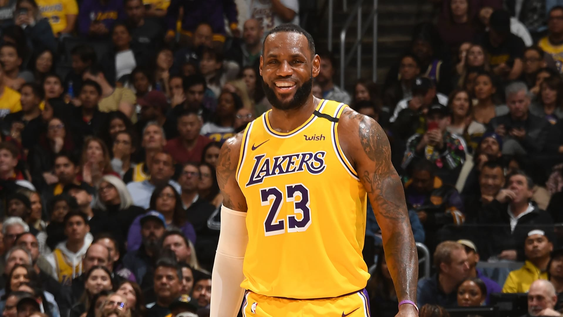 LeBron James and L.A. Lakers remain atop NBA's most popular jersey and team merchandise lists