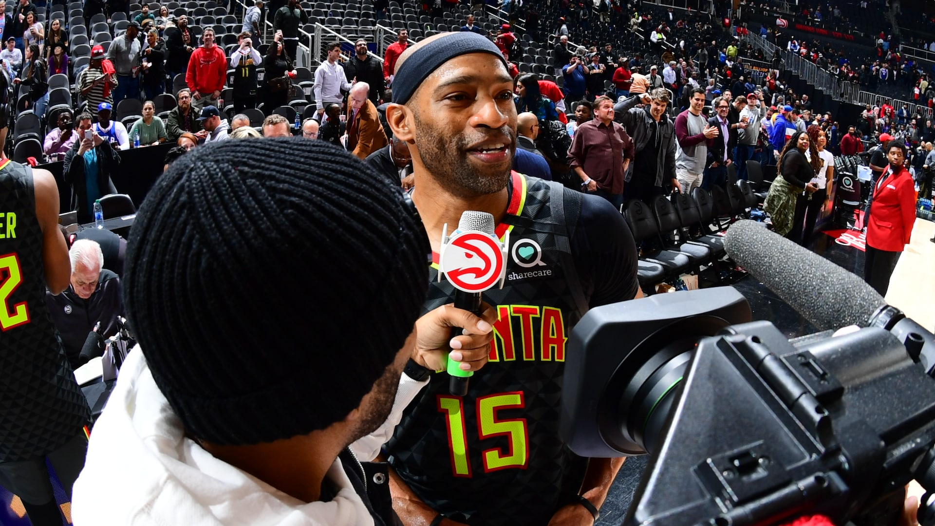 Vince Carter passes Dirk Nowitzki for third all-time in games played