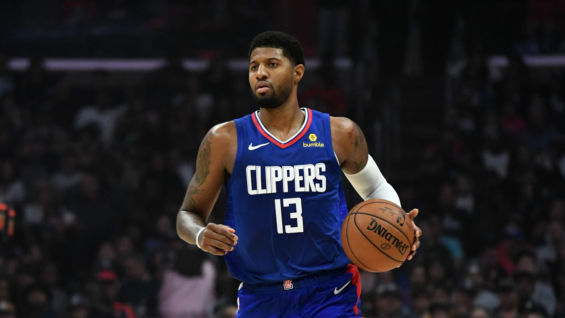 Clippers' George sits out game with strained hamstring