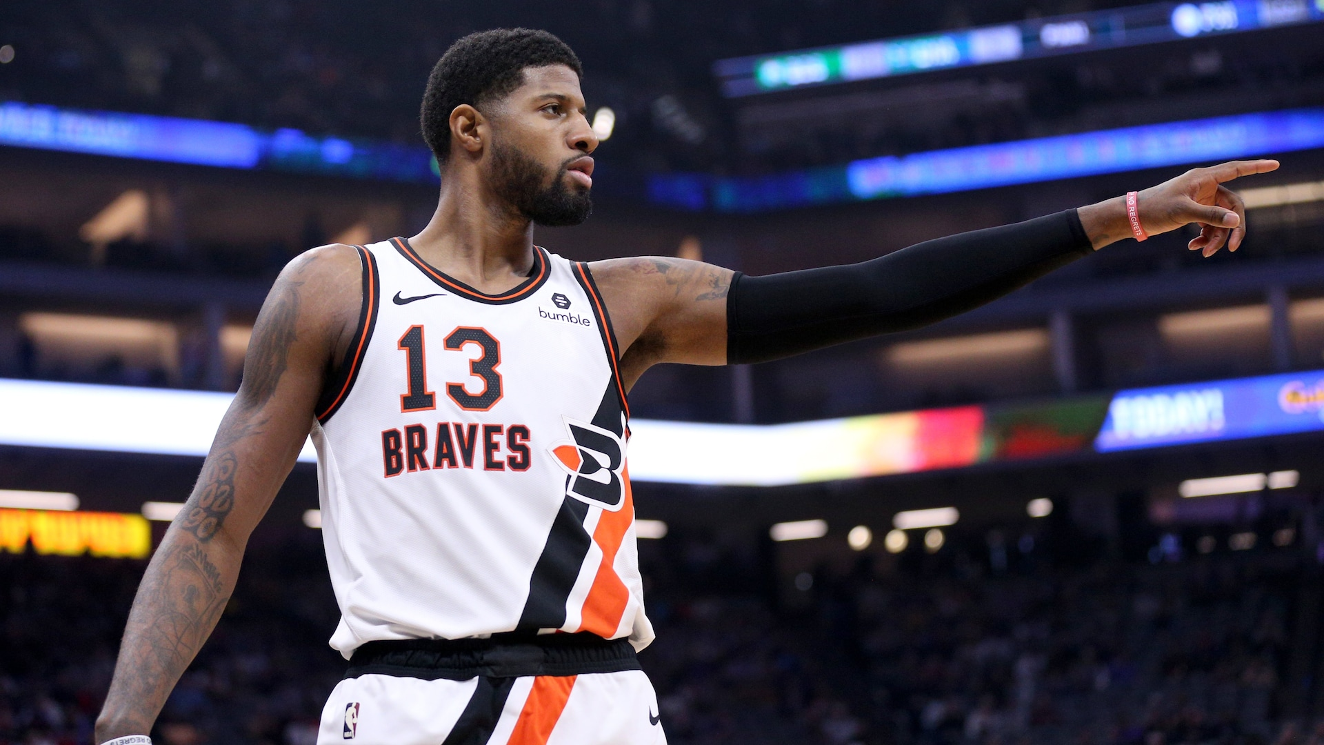 Clippers' Paul George sits out because of tight hamstring