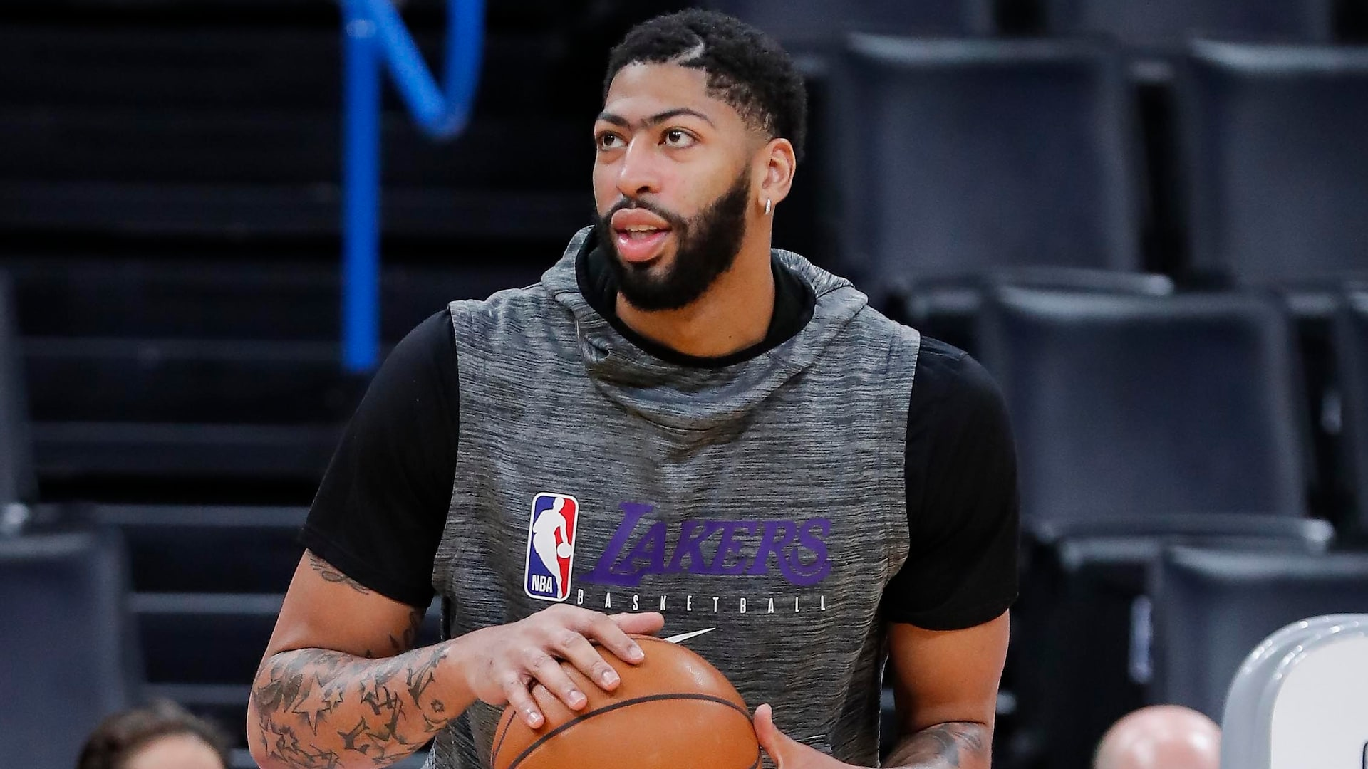 Lakers' Anthony Davis 'getting closer' to return