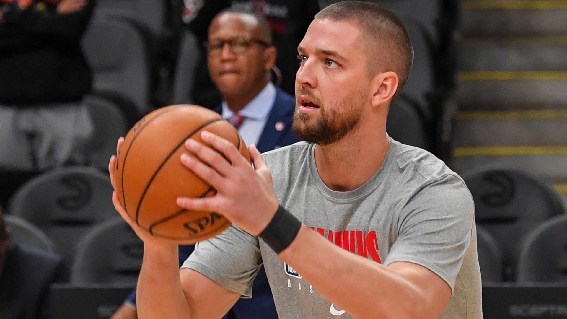 Hawks' Chandler Parsons heads to California to rehab injuries