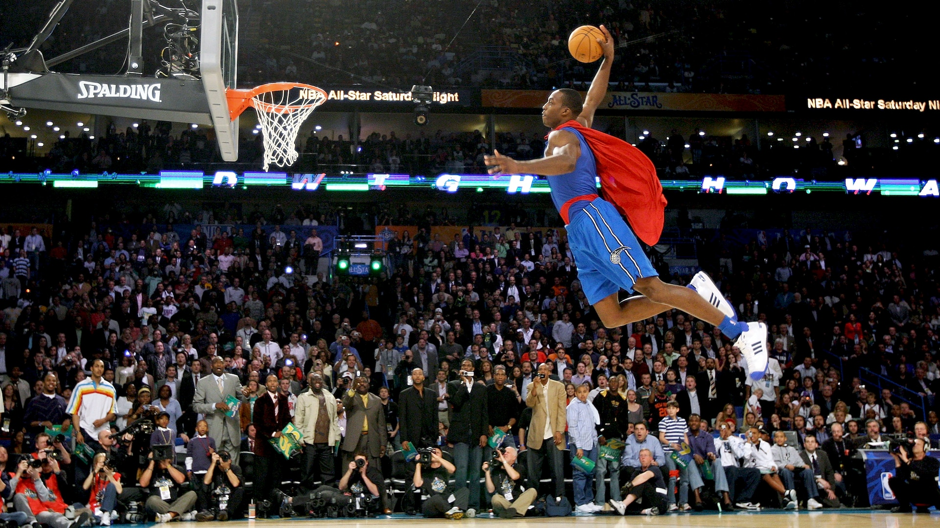 Former dunk champ Dwight Howard will participate in AT&T Slam Dunk