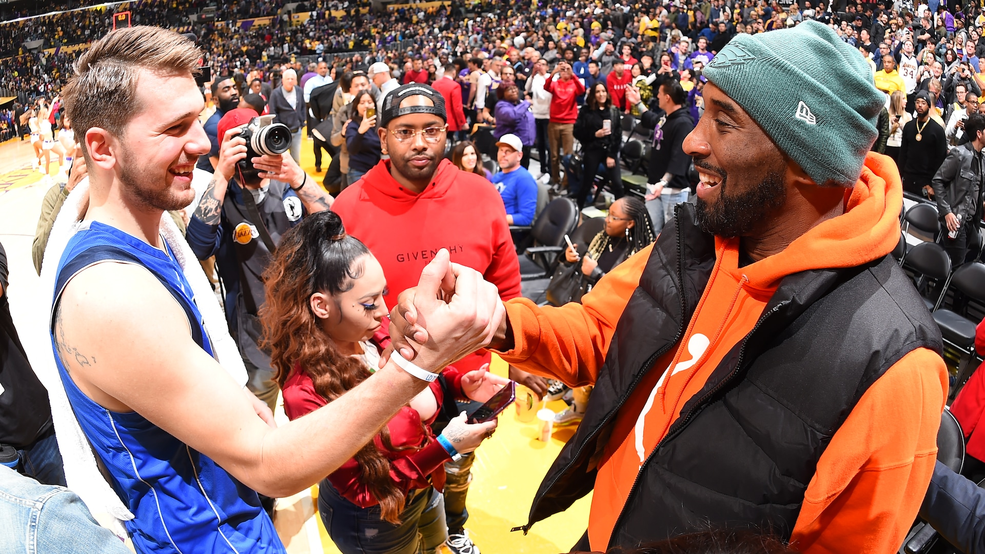 Mavericks to retire No. 24 in honor of Kobe Bryant
