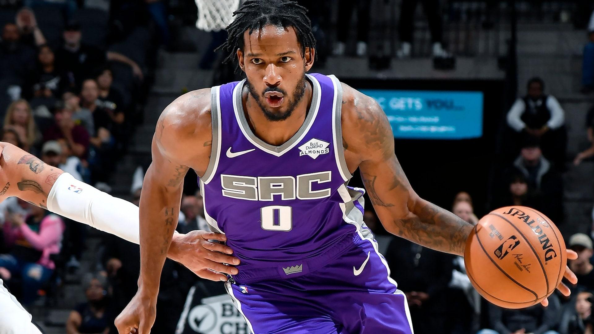 Kings trade Ariza, Gabriel, Swanigan to Blazers for Bazemore, Tolliver, Draft picks