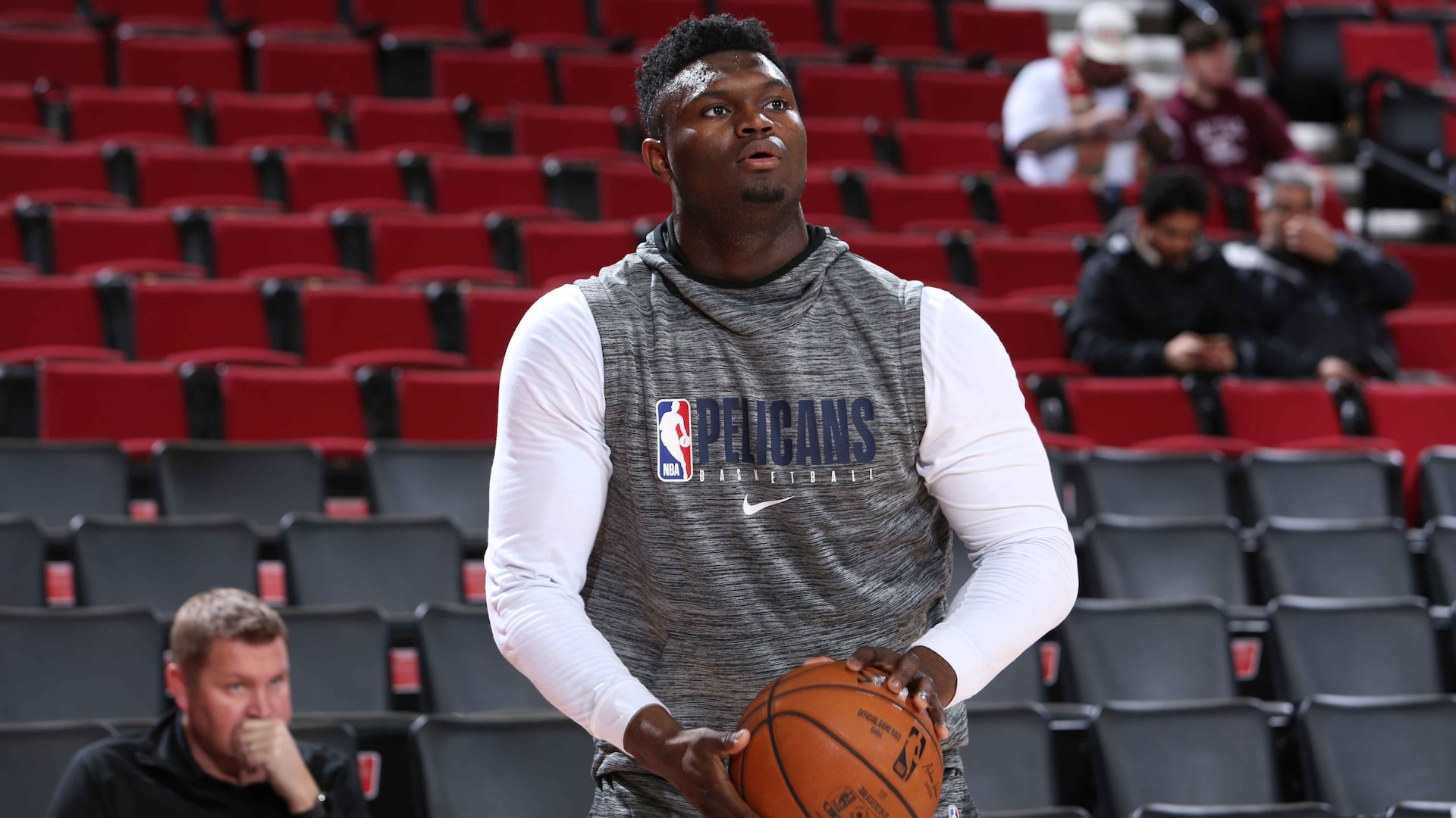 Pelicans rookie Zion Williamson goes through first full practice