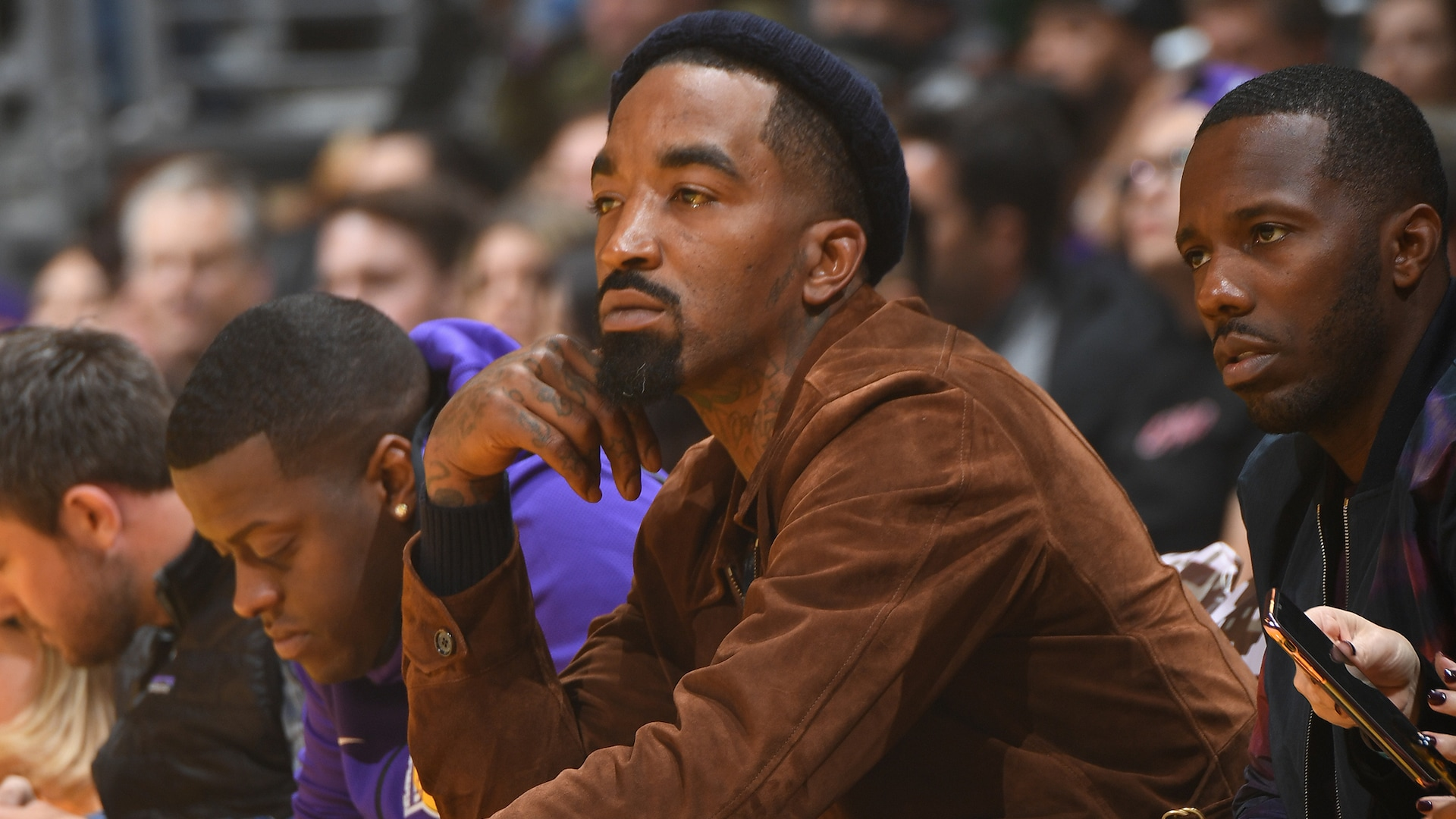 Report: Lakers eyeing free agent guards JR Smith, Darren Collison