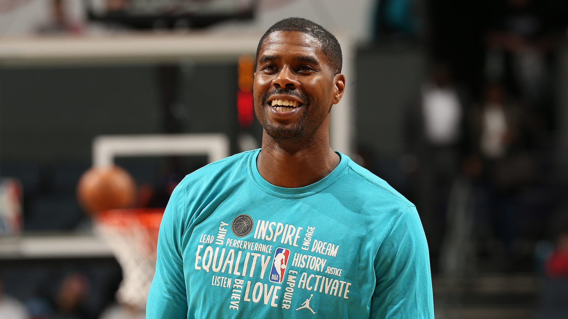 Reports: Marvin Williams completes buyout with Hornets, plans to sign with Bucks