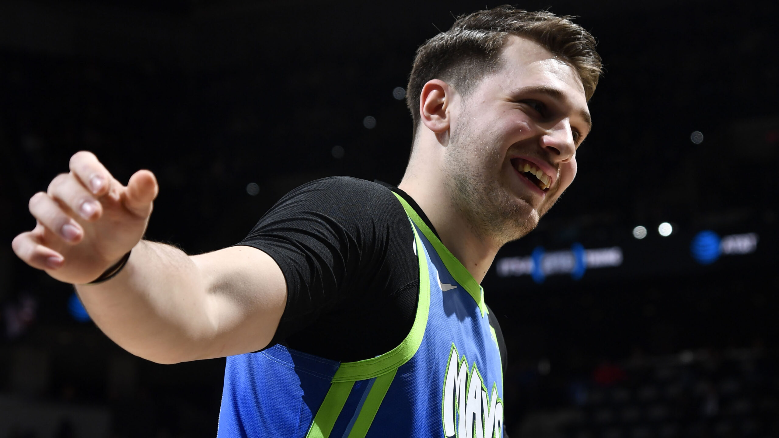 Mavs' Luka Doncic back after missing game with sprained thumb