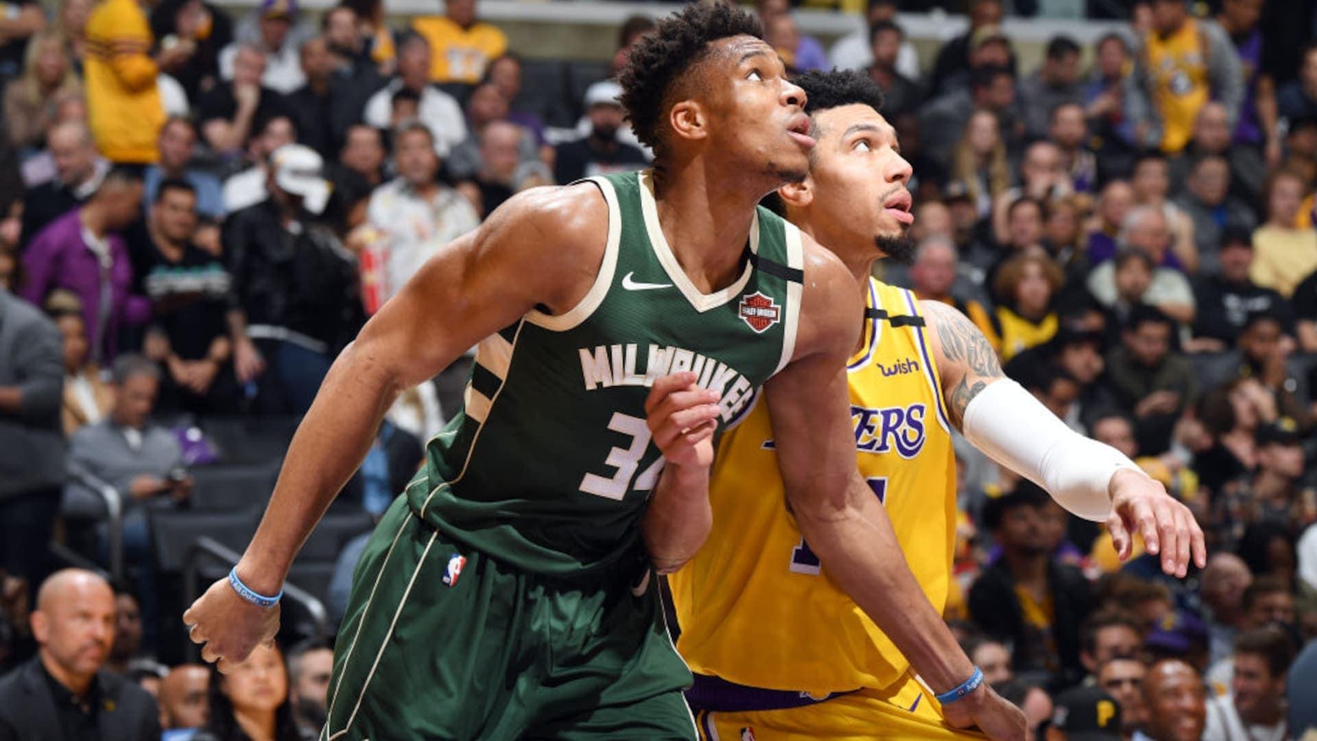 Bucks' Giannis Antetokounmpo has knee sprain, will miss at least 2 games