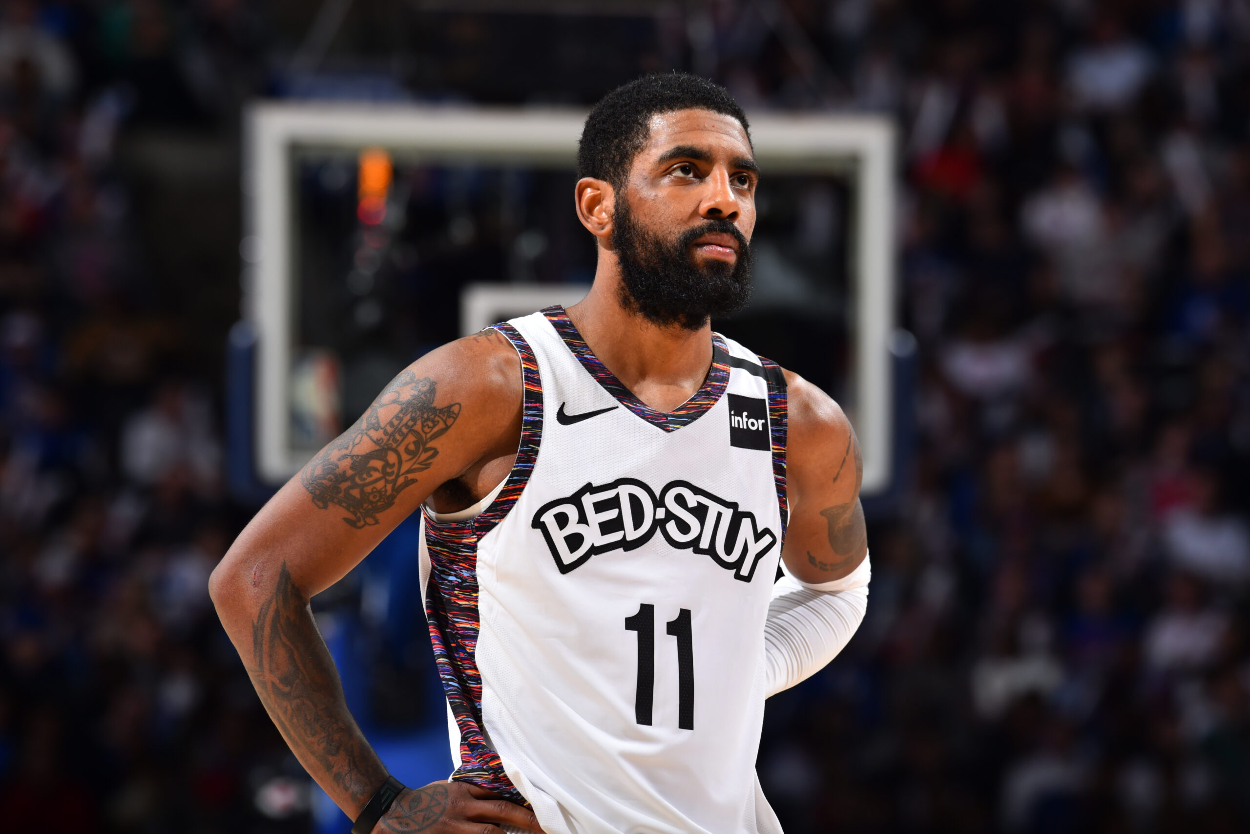 Reports: Irving out indefinitely after re-aggravating shoulder injury