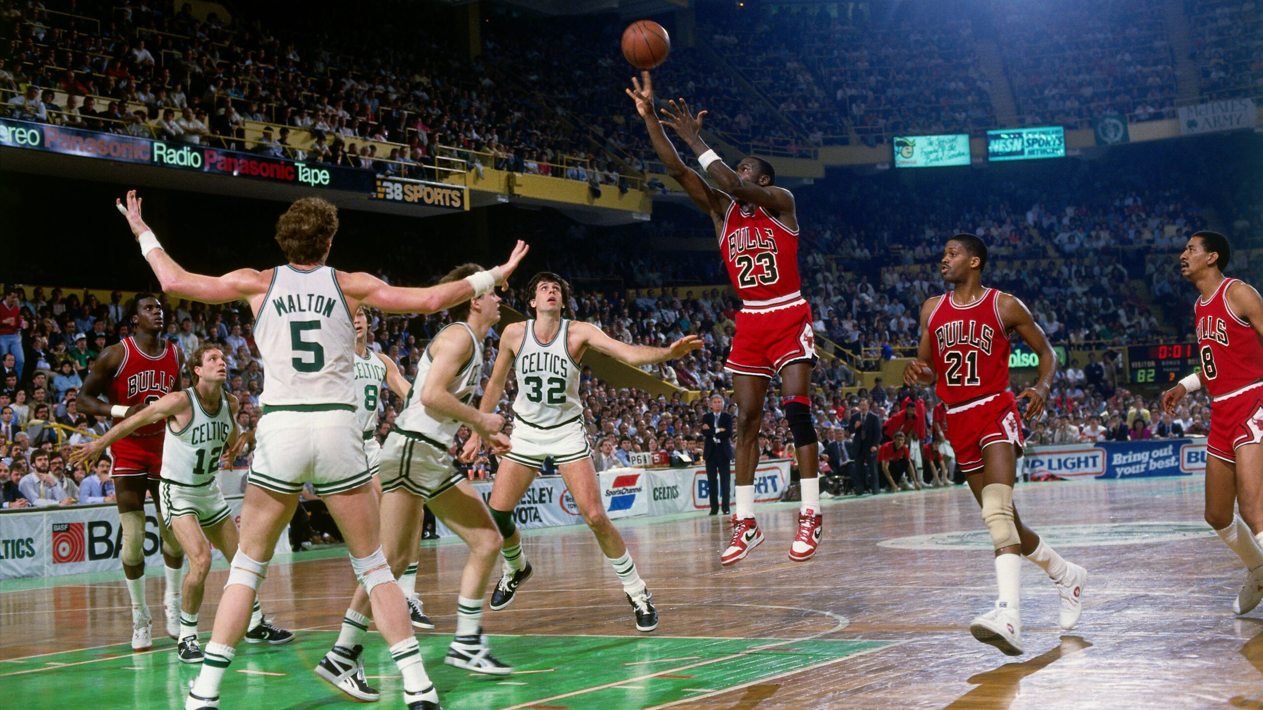 Top Moments: Michael Jordan's 63-point playoff performance the stuff of legend