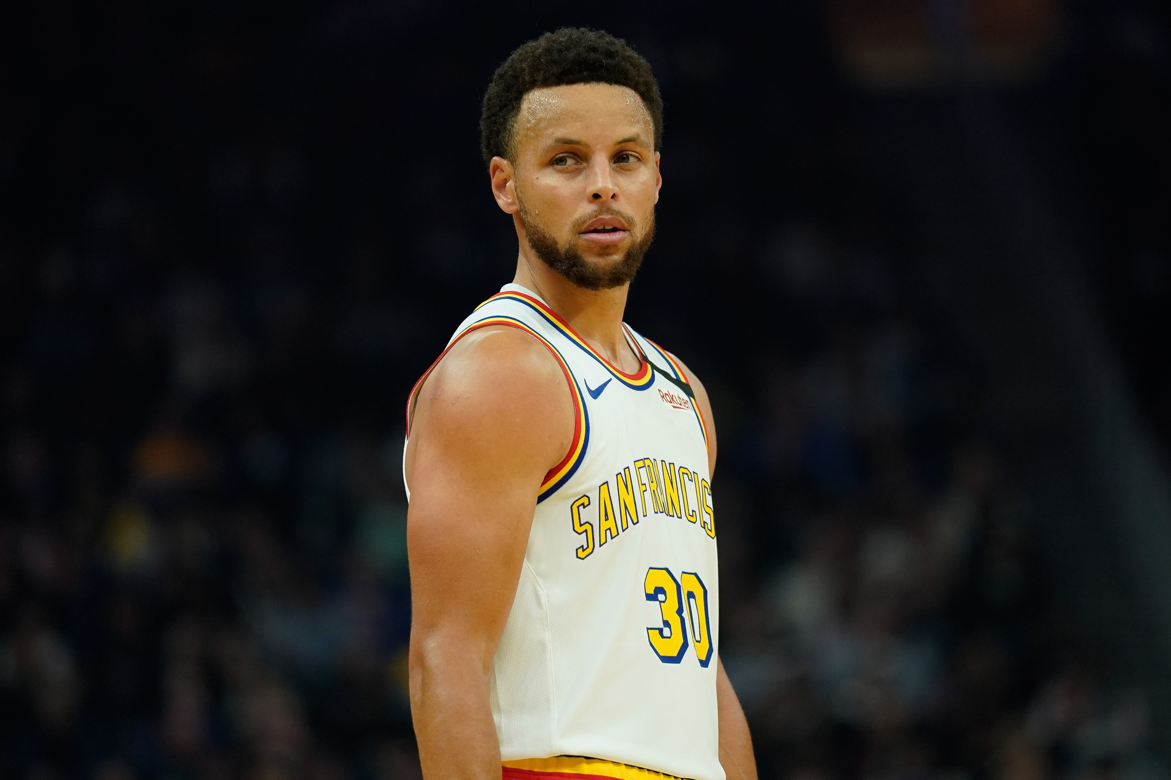 Stephen Curry inspires hope with FaceTime call to Oakland nurses