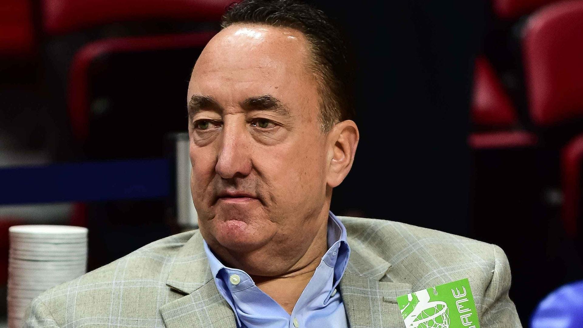 Bulls relieve GM Gar Forman of his duties, give John Paxson new role