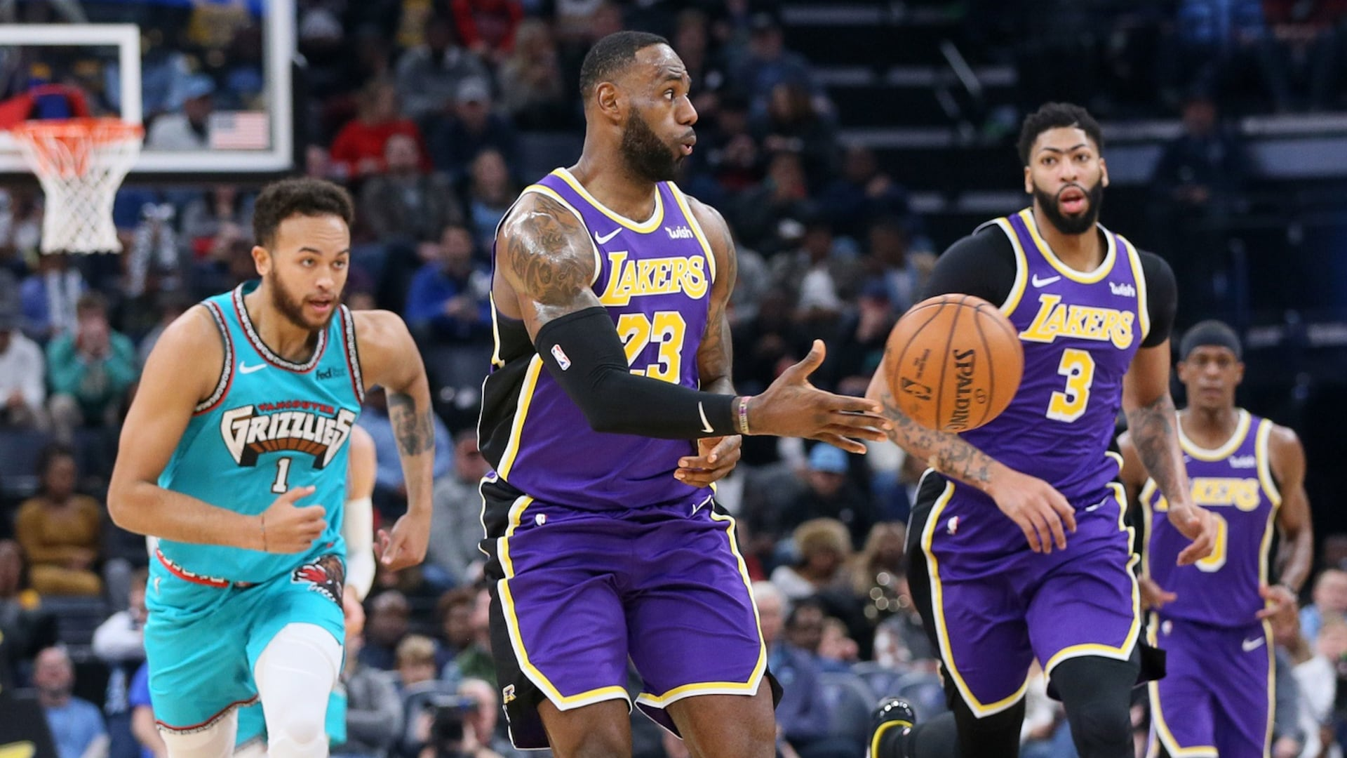 Film Study: How LeBron James leads Lakers' transition offense