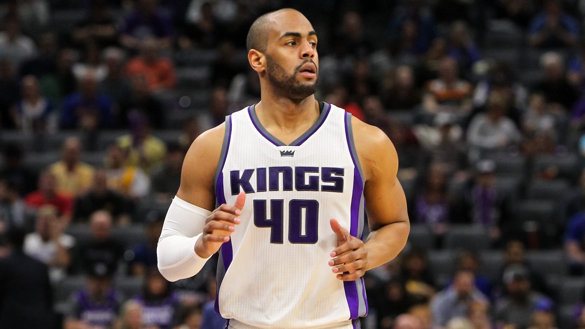 Report: Aaron Afflalo headlines group bidding to buy Wolves