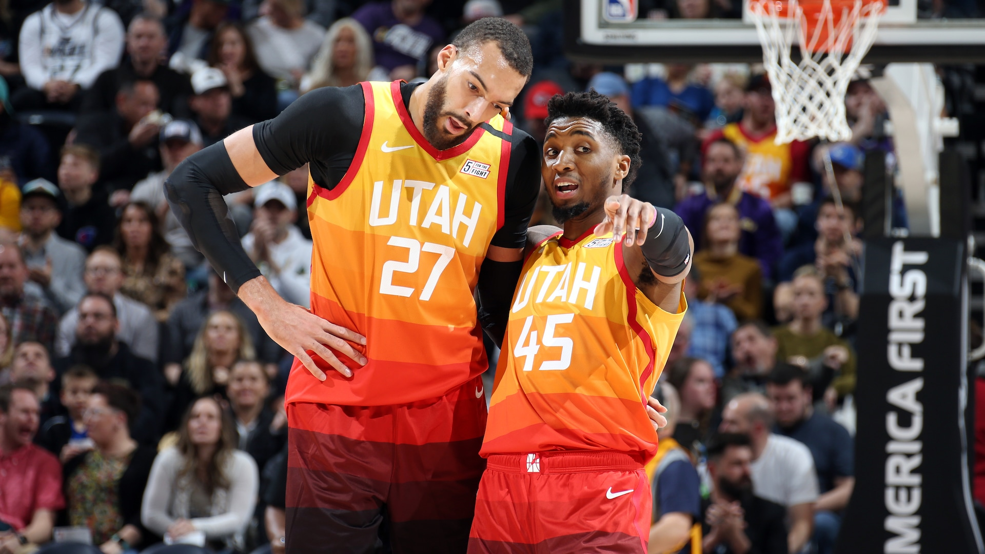 Jazz stars Donovan Mitchell, Rudy Gobert test positive for coronavirus