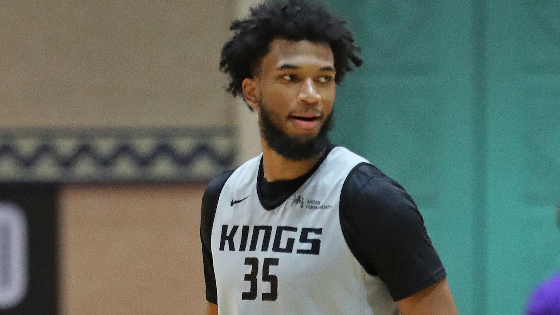 Kings' Marvin Bagley III suffers right foot injury