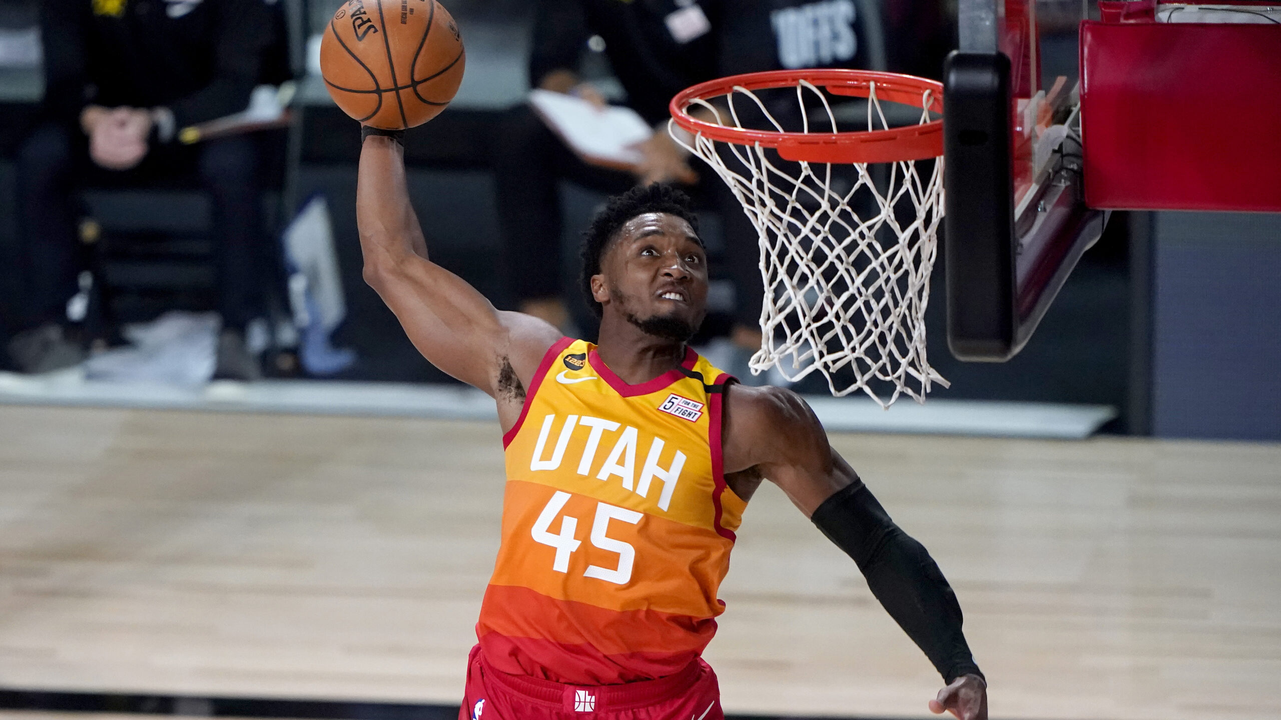 Donovan Mitchell signs extension with Jazz