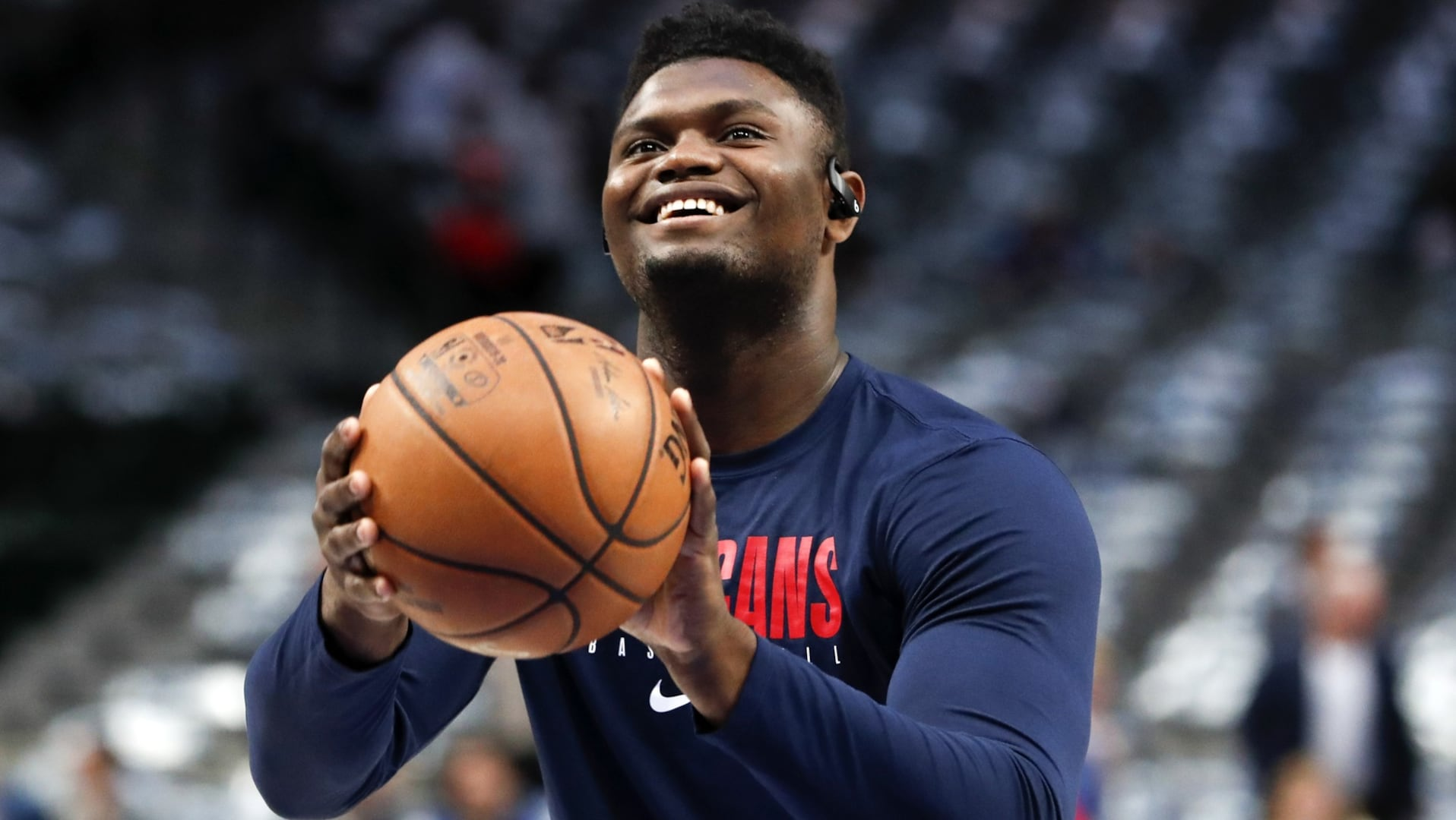 Zion Williamson available for Pelicans tonight