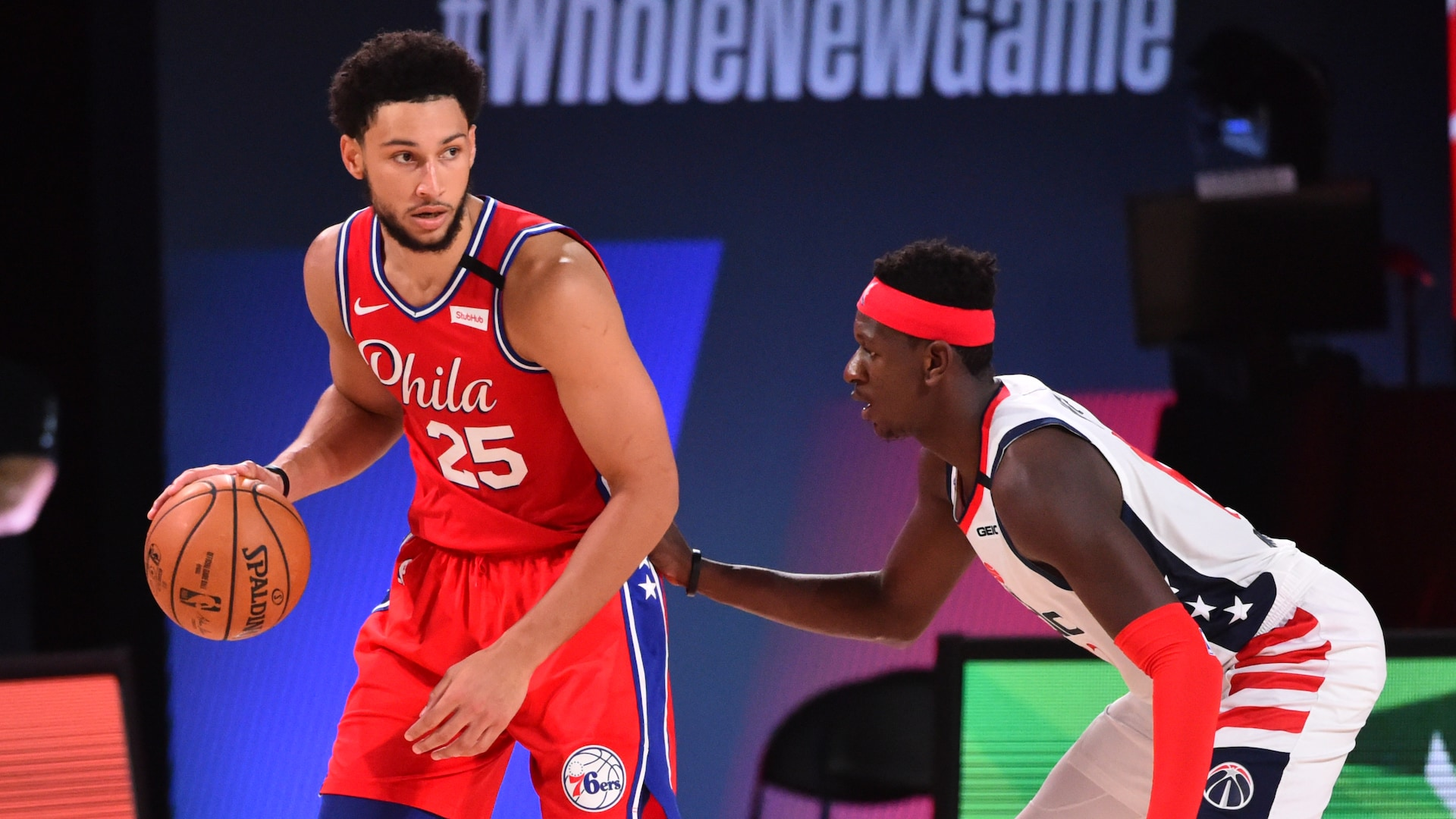 76ers' Ben Simmons out with left knee injury