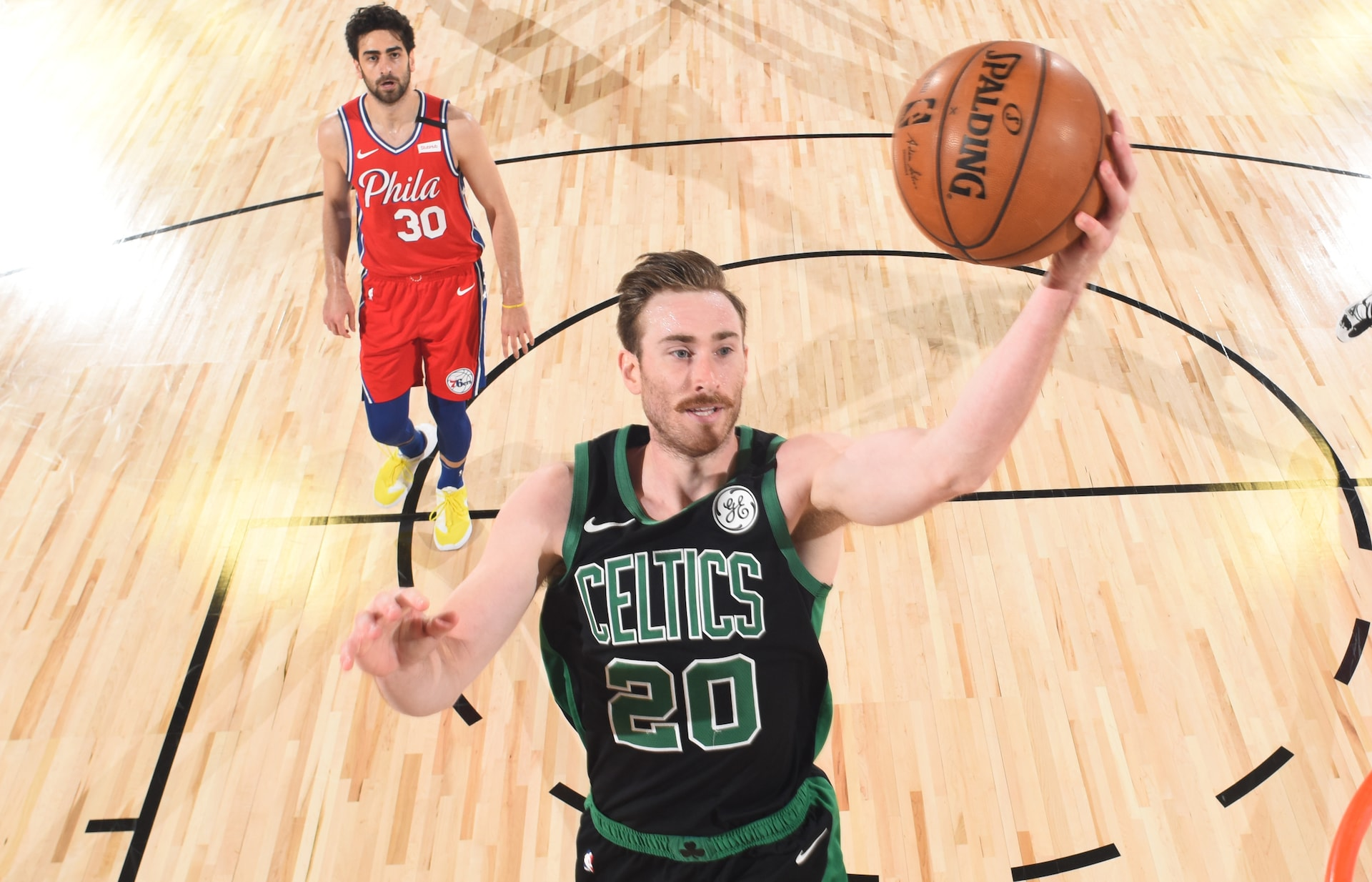 Gordon Hayward exits Game 1 with sprained right ankle