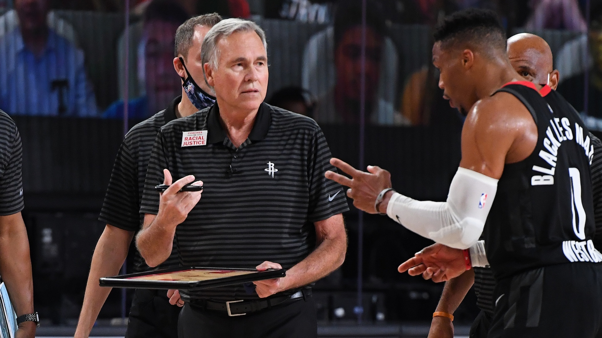 Mike D'Antoni tells Rockets he won't return as coach