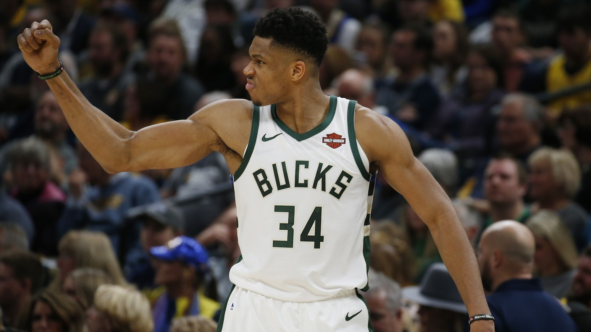 Giannis Antetokounmpo becomes 12th player to win consecutive MVP awards