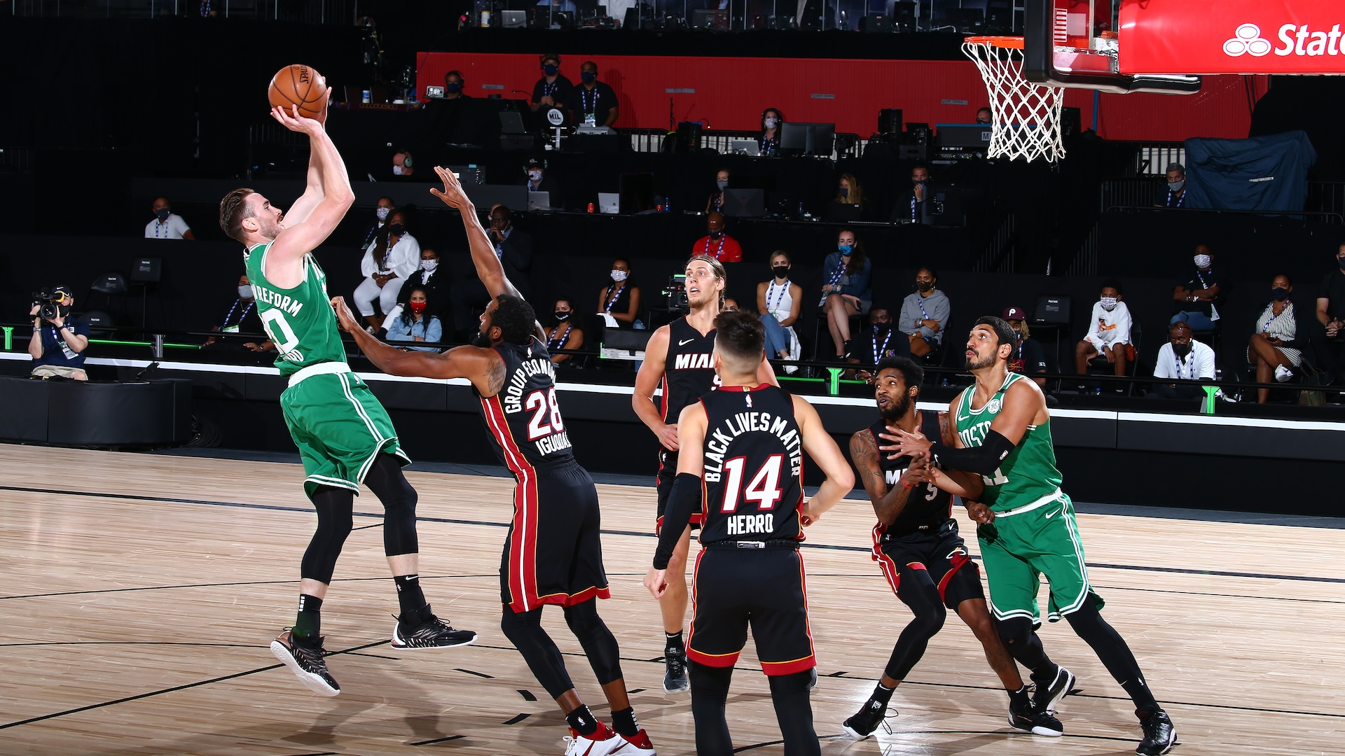Gordon Hayward returns to Celtics' rotation in Game 3