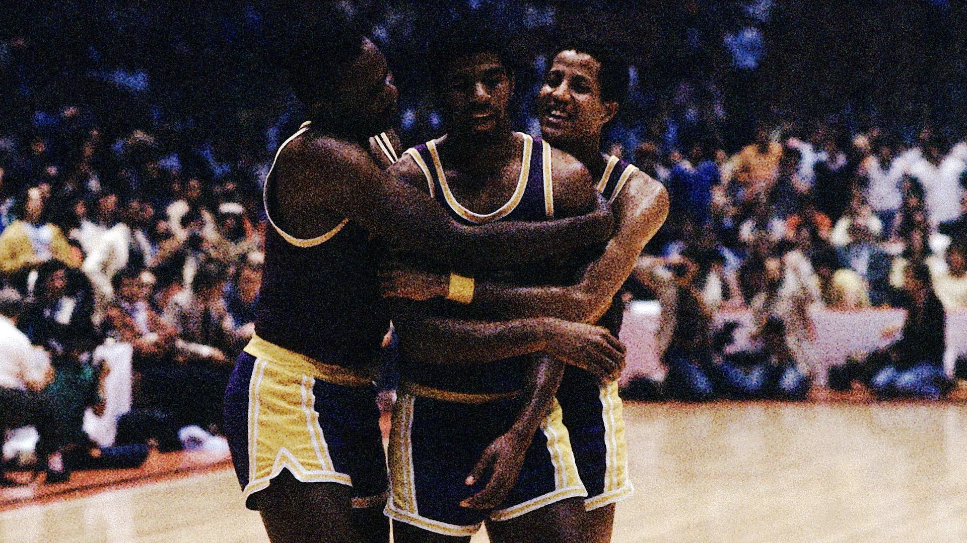 Top NBA Finals moments: Magic Johnson steps in at center in 1980