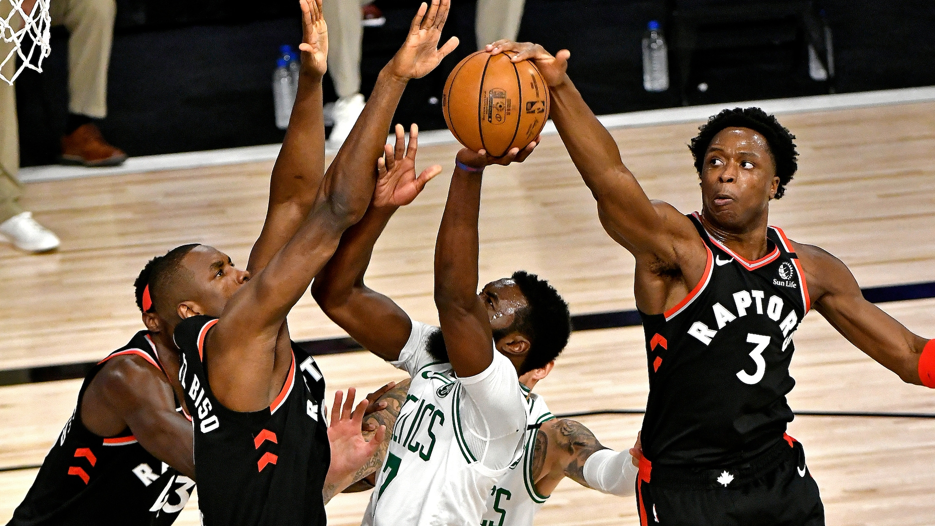 Raptors scramble Celtics offense, create massive 3-point margin