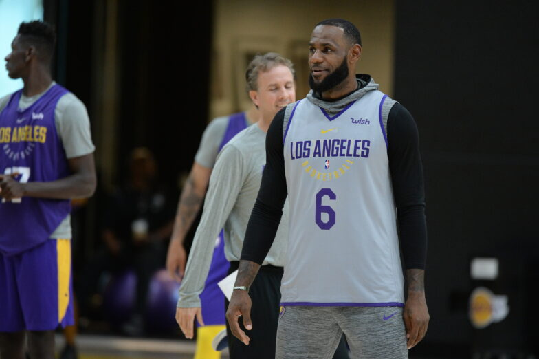 Report: LeBron James giving up his No