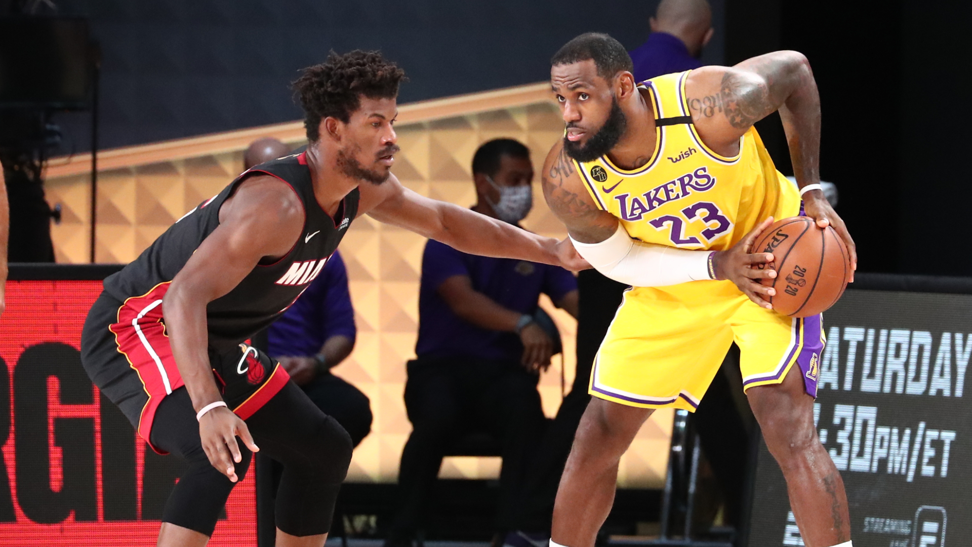 Davis' 34 PTS Leads Lakers To Win In Game 1