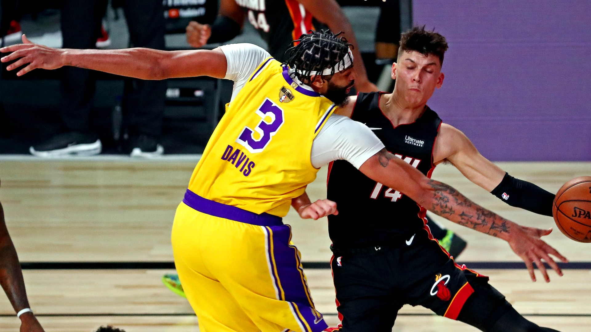 Film Study: 5 plays that tell the biggest story of Lakers' Game 1 win