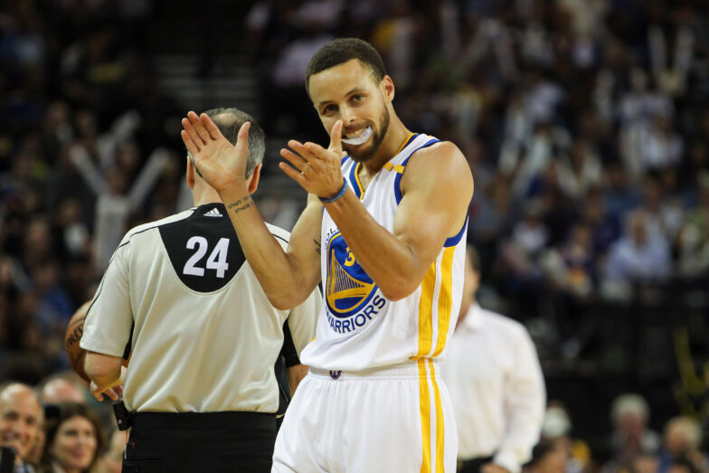 Stephen Curry leads NBA's most popular jersey list for second ...