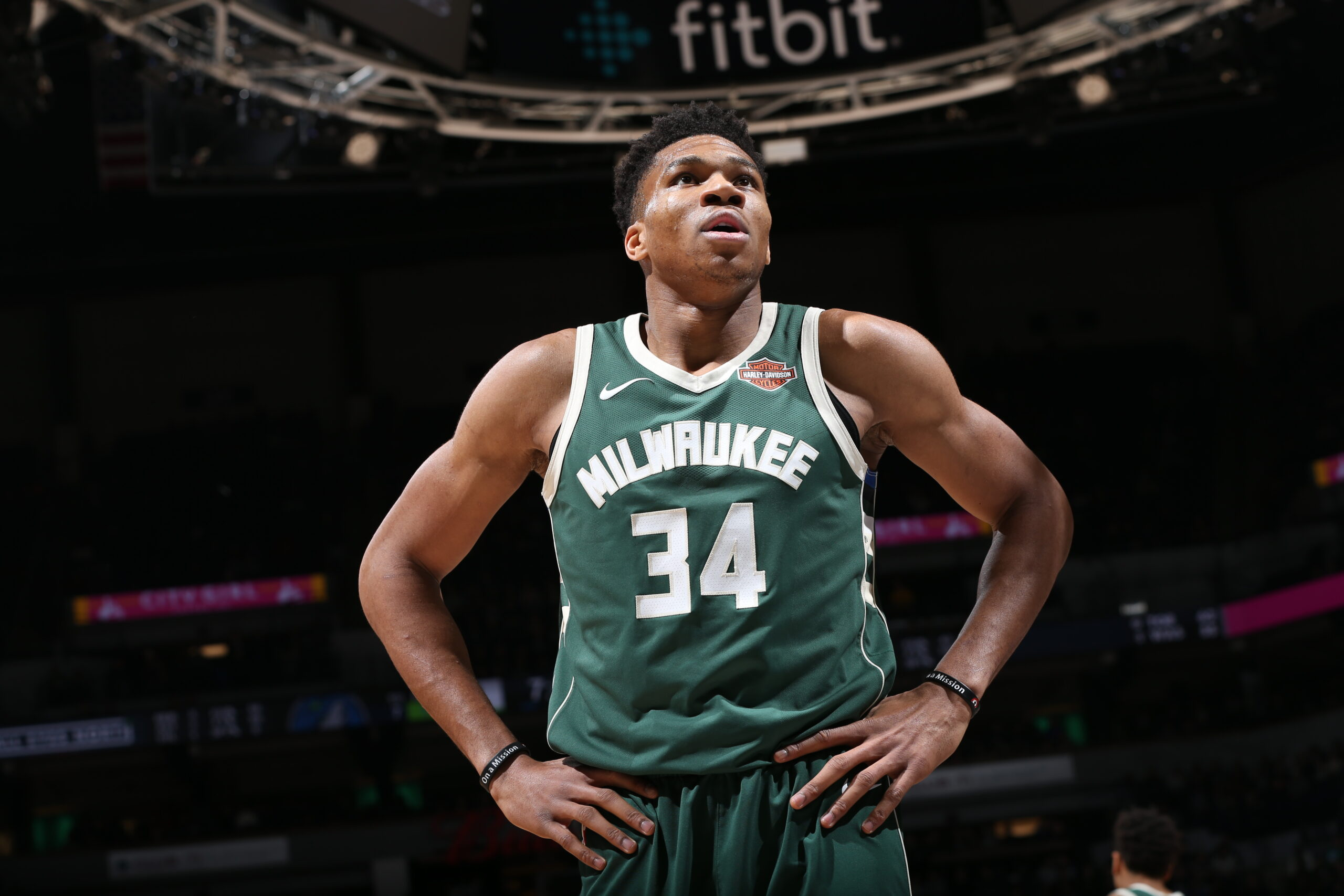 Giannis Antetokounmpo focused on season, not contract situation