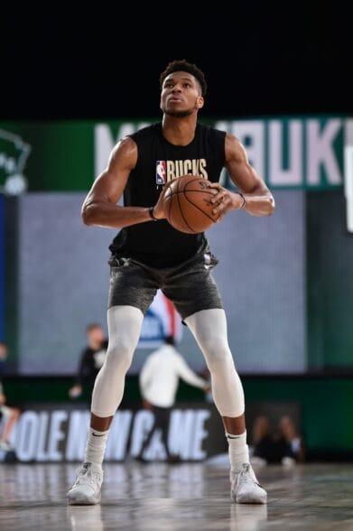 字母哥:職業生涯目標是NBA冠軍和世界大賽獎牌,拿不到就不退役,能一直打到45歲!-籃球圈