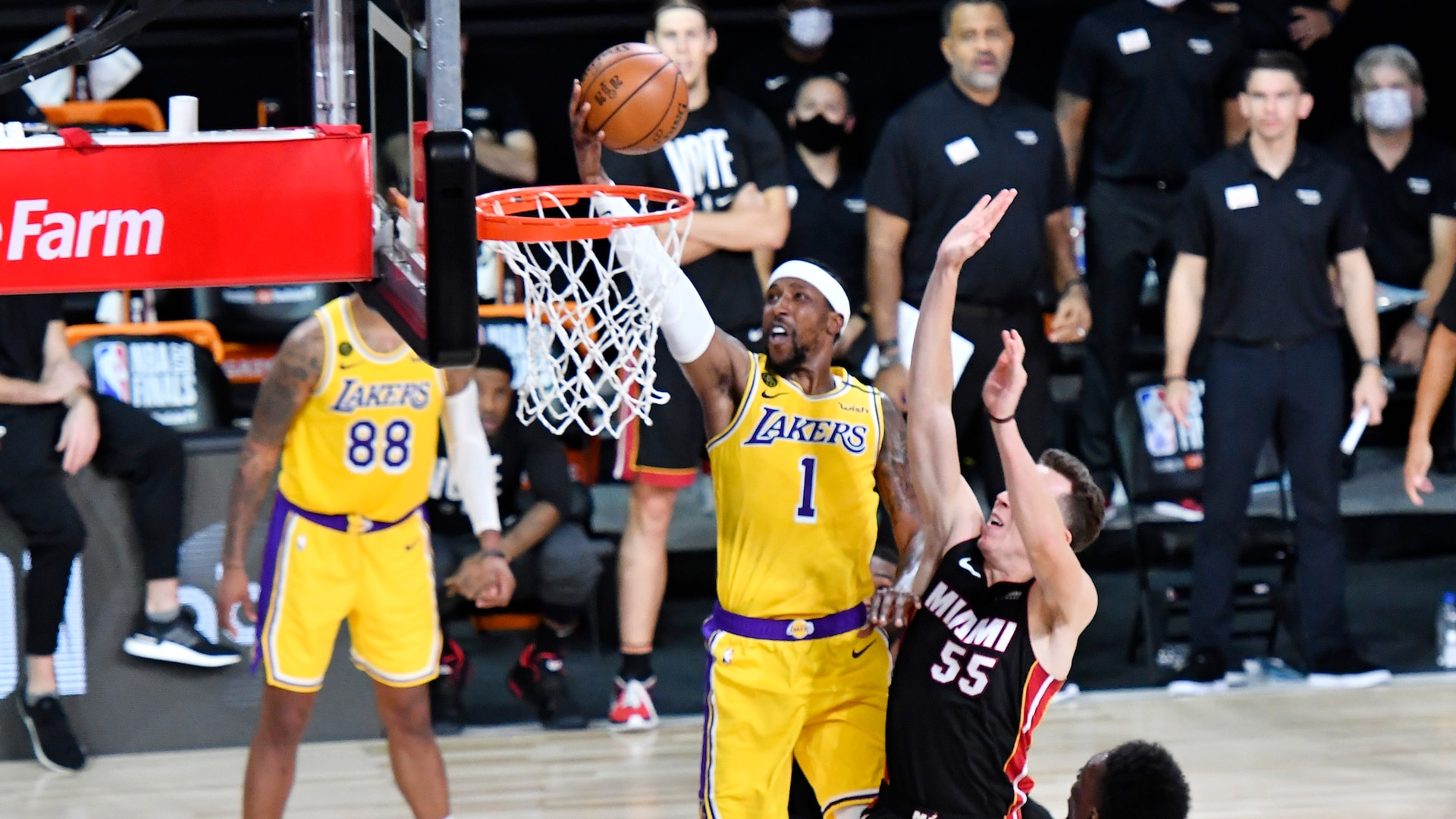 Kentavious Caldwell-Pope steps up to support Lakers' superstars in Game 4