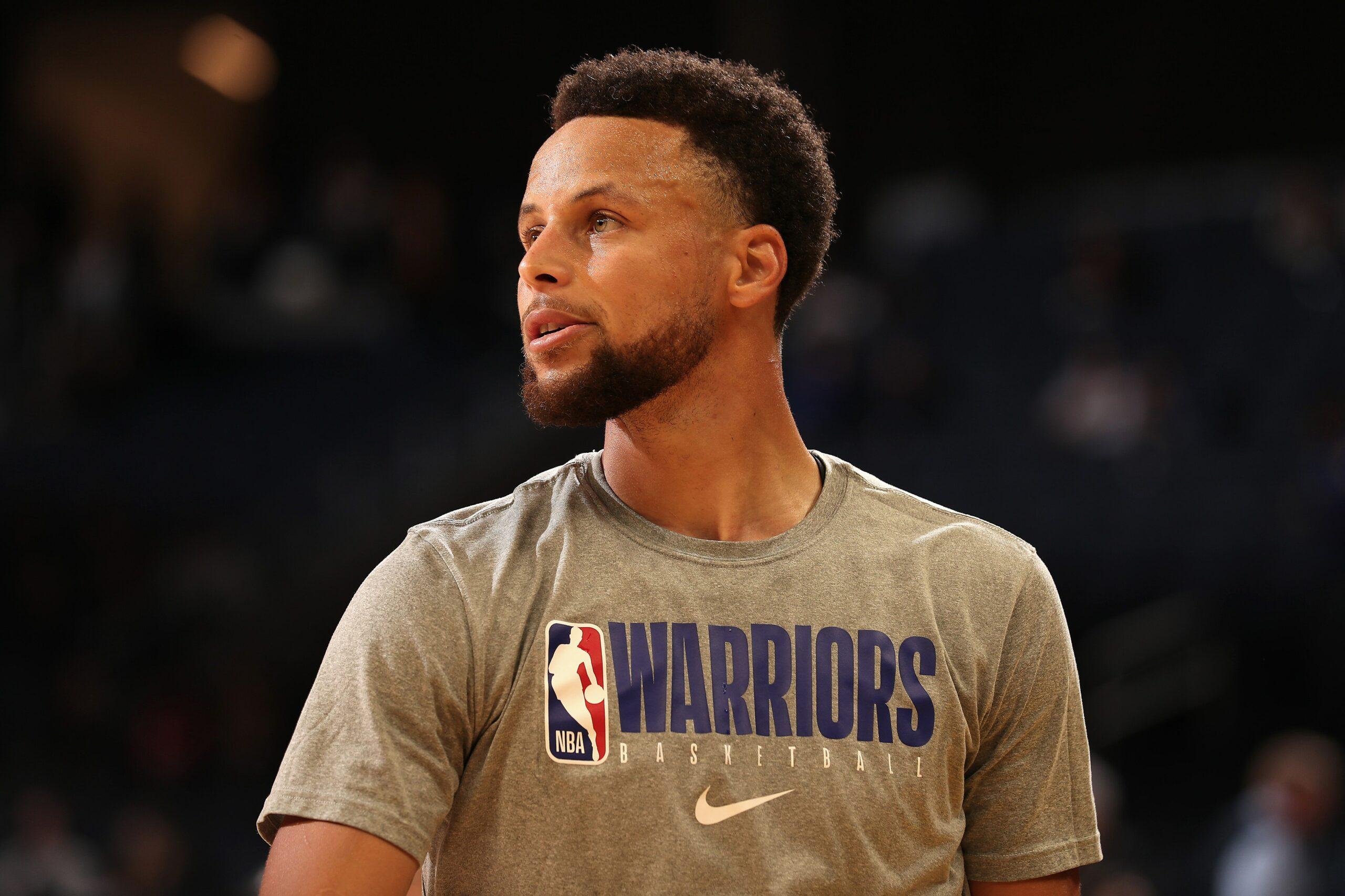 Stephen Curry, WNBA players receive Jackie Robinson award