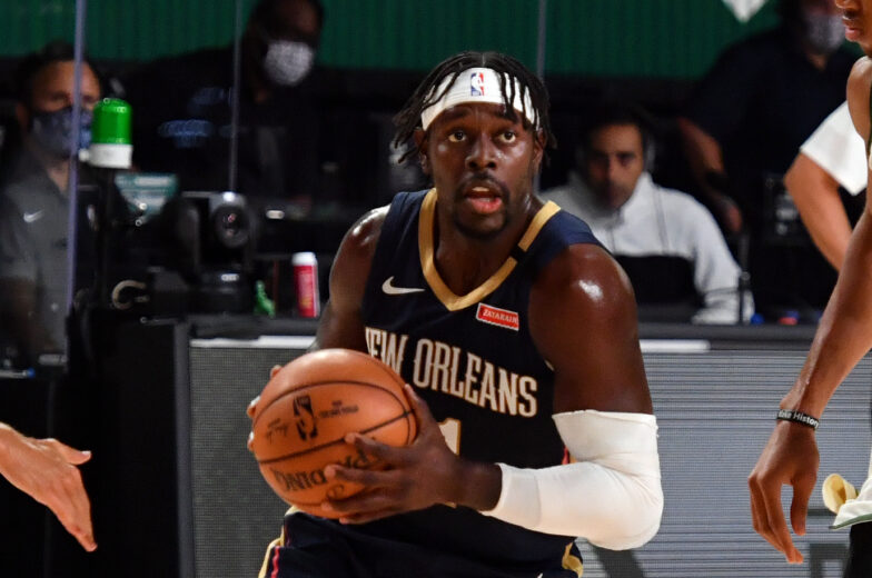 Bucks reportedly acquire Holiday from Pelicans