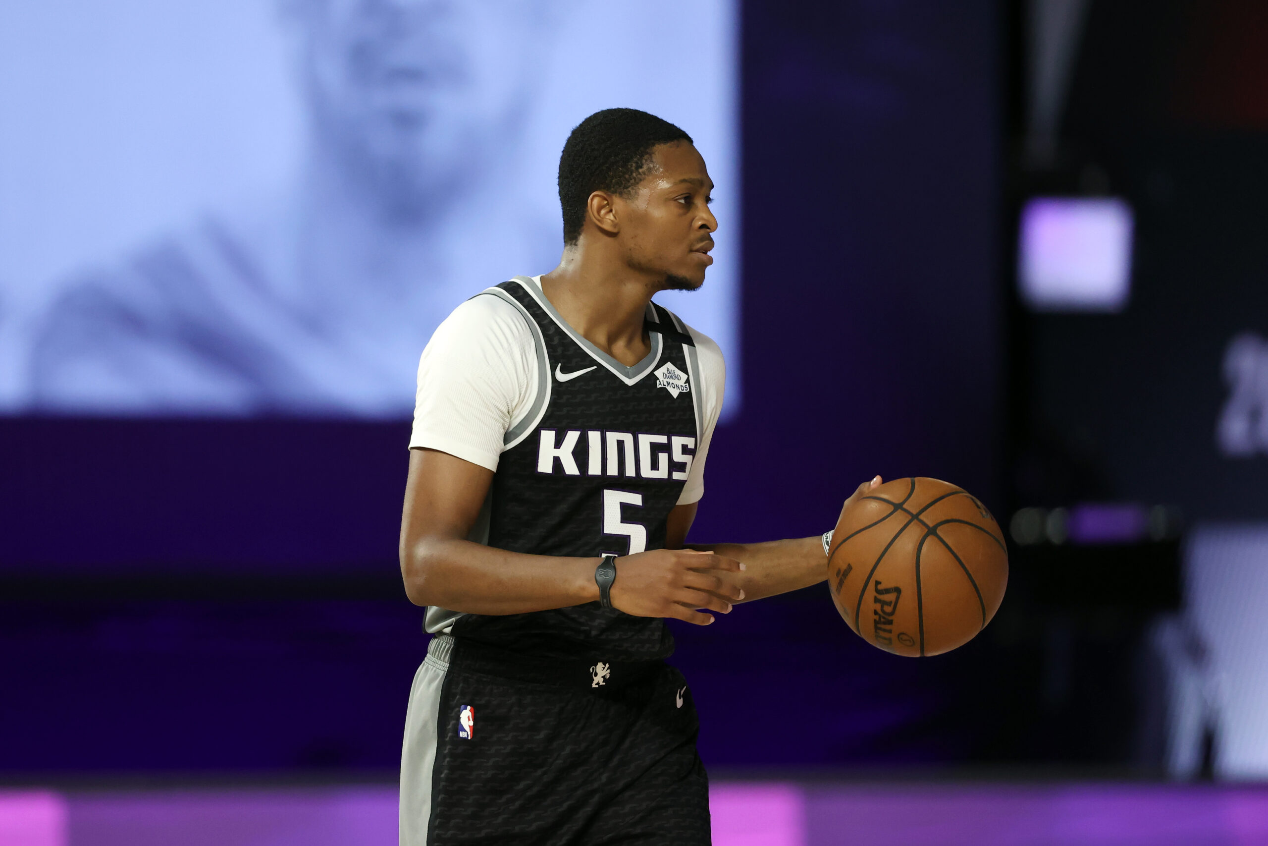 De'Aaron Fox signs maximum extension with Kings