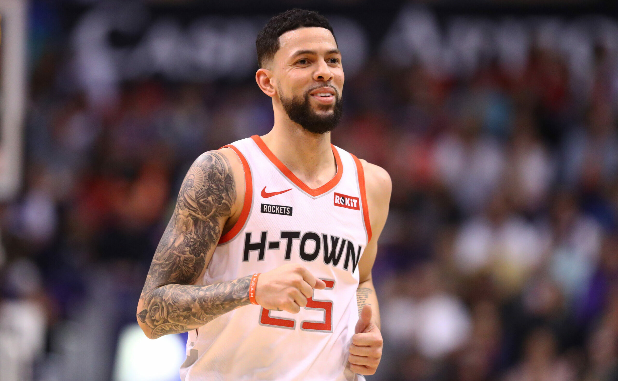 Knicks sign guard Austin Rivers