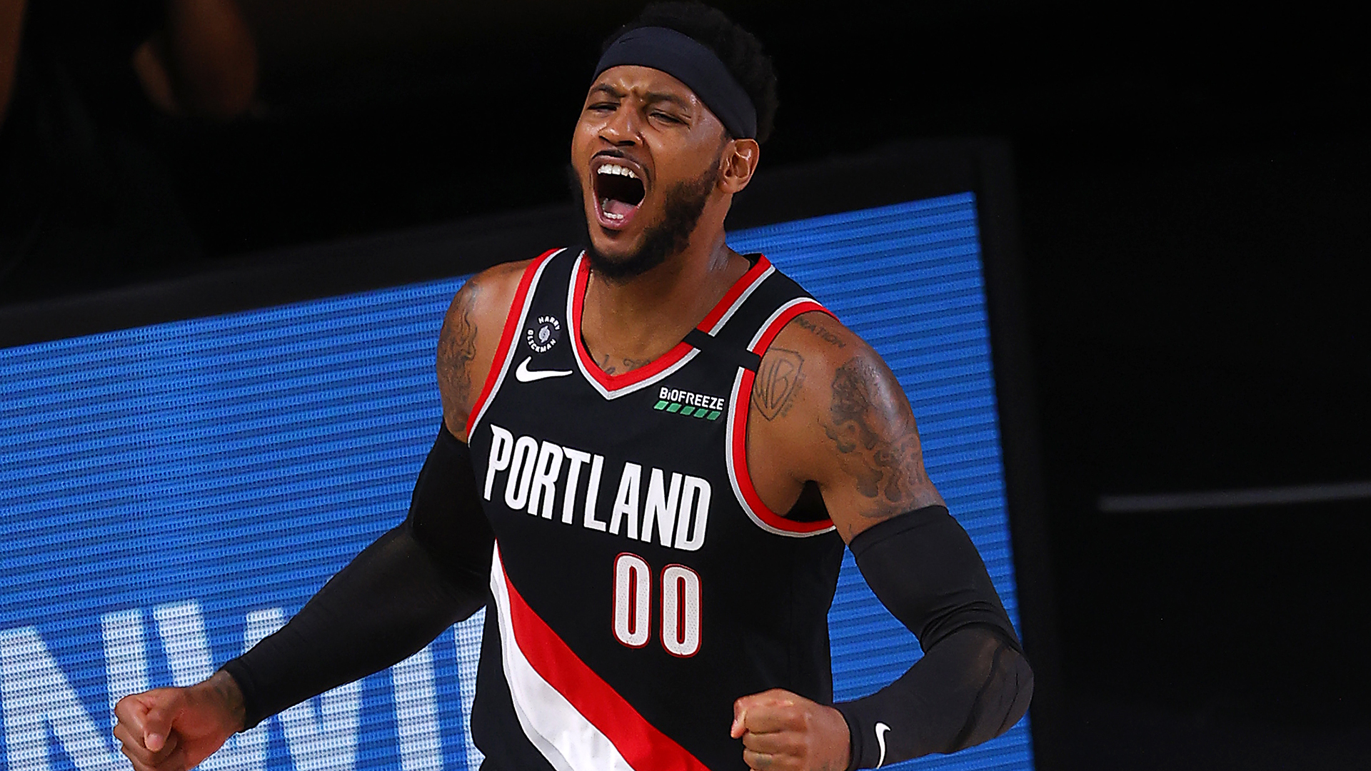 Carmelo Anthony re-signs with Blazers